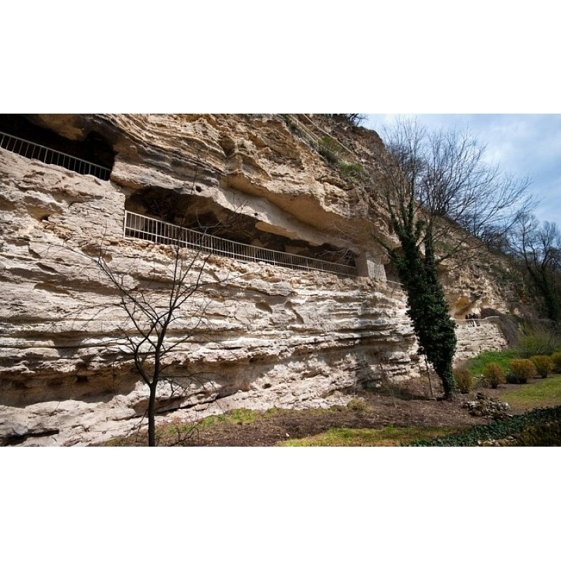 Монастырь Аладжа. «Вбитые камни»  - фото 2 - 001.by