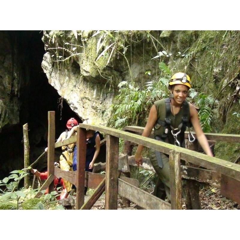 Подземное королевство: захватывающая экскурсия в пещеру Fun-Fun - фото 2 - 001.by