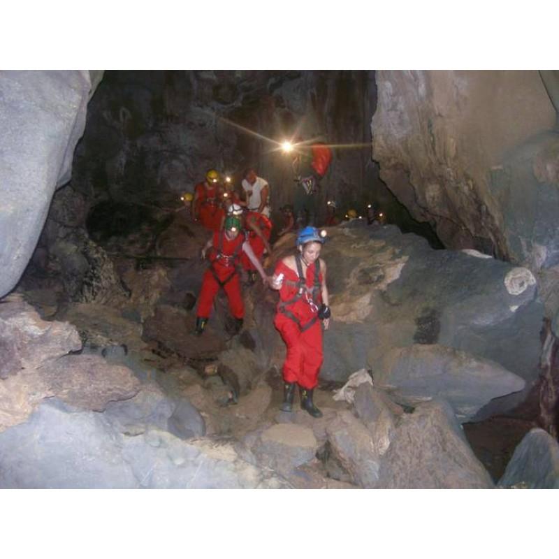 Подземное королевство: захватывающая экскурсия в пещеру Fun-Fun - фото 3 - 001.by
