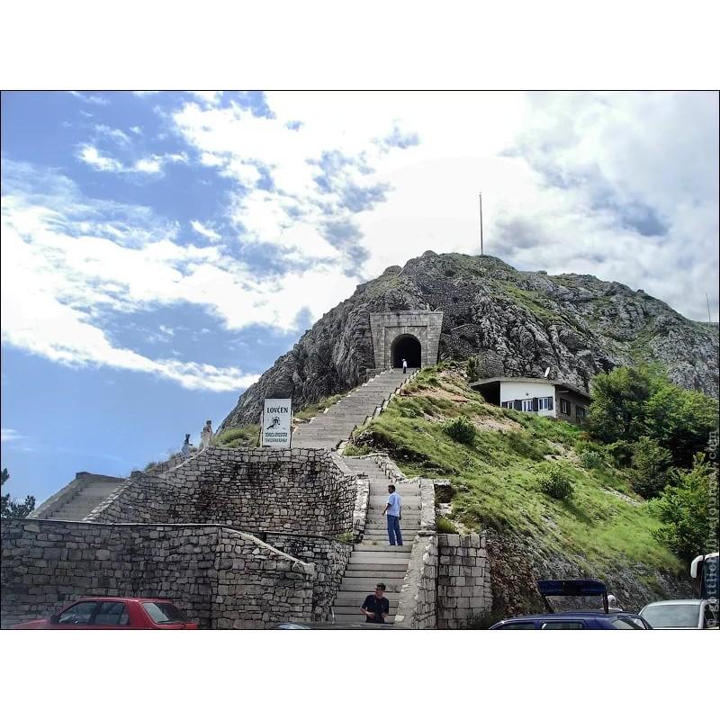 ТОП 10 мест, которые обязательно стоит посмотреть в Черногории - фото 5 - 001.by
